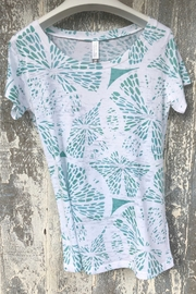 Whimsy Rose Aqua Citrus S/S Scoop Shirt - Front cropped