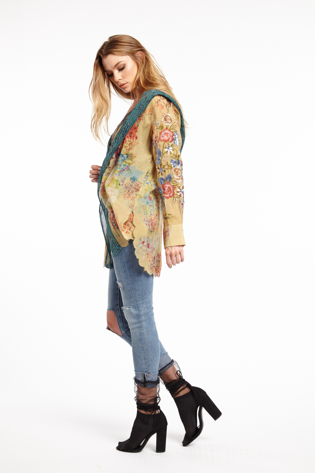 Aratta Stole Her Away Hoody Kimono - Back Cropped Image