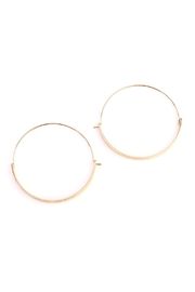 Riah Fashion Arc-Bar-Hinge Hoop Earring - Front cropped