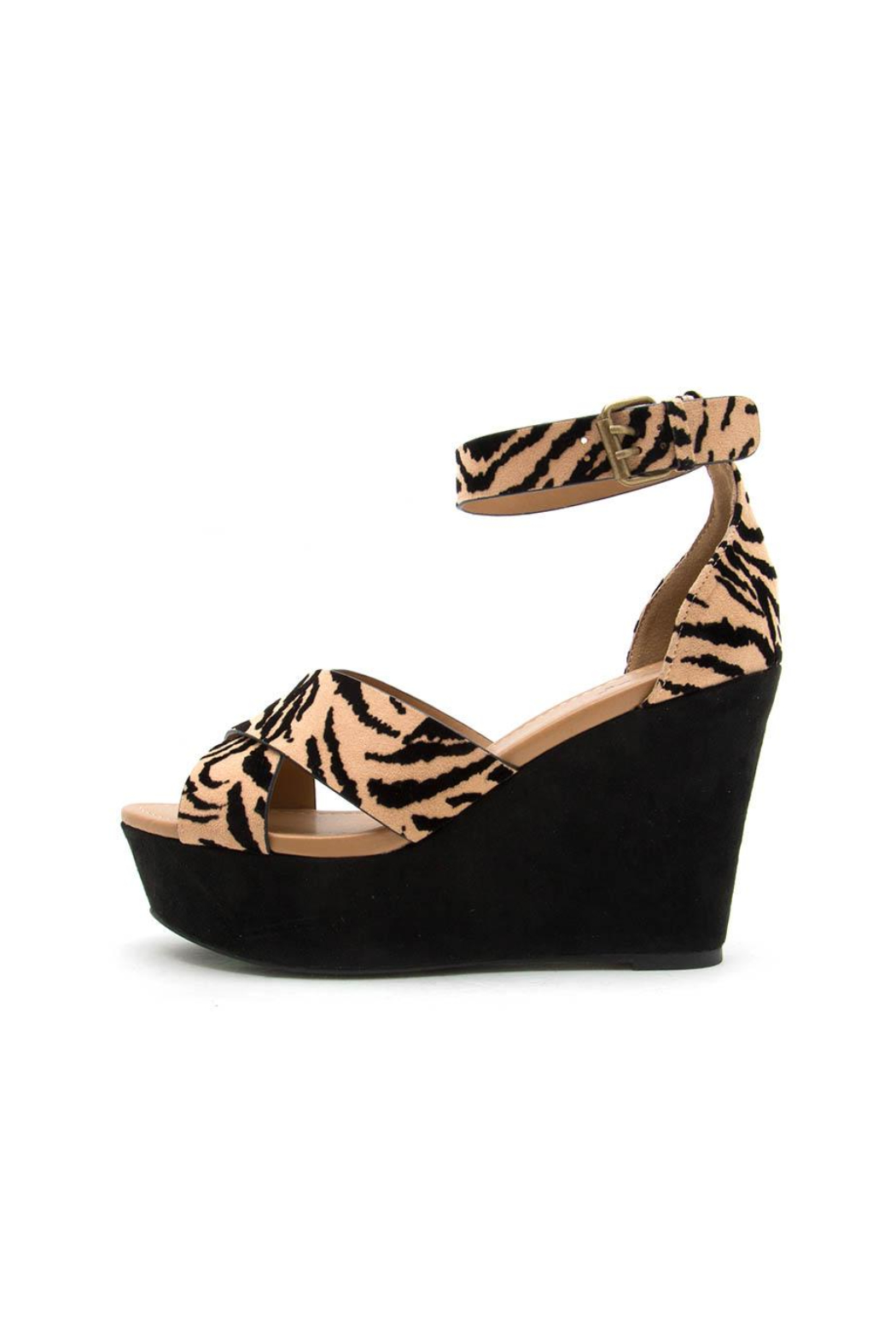 Qupid Ardor Tiger Wedge - Front Cropped Image