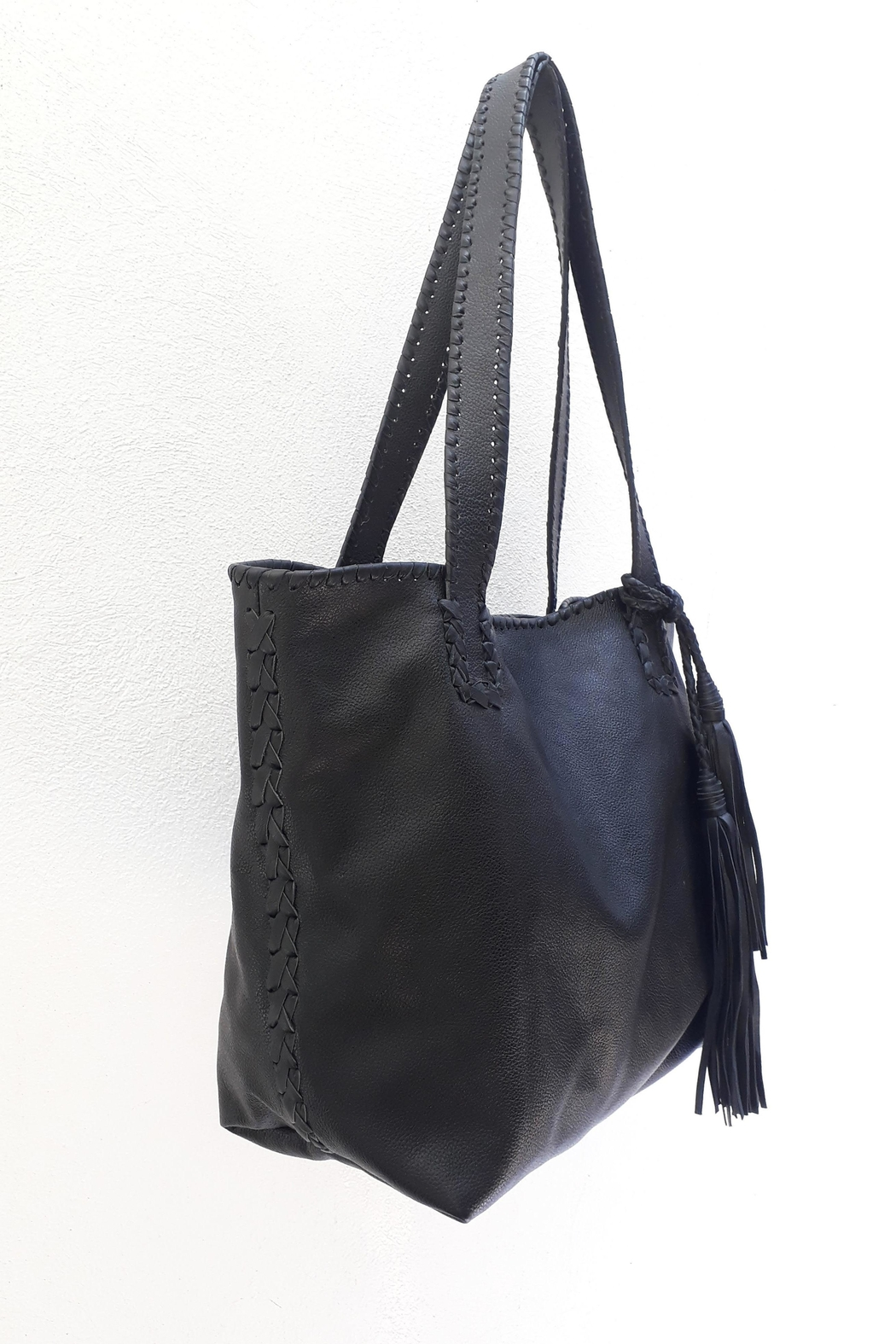 Areias Leather Black Tote Bag - Front Full Image