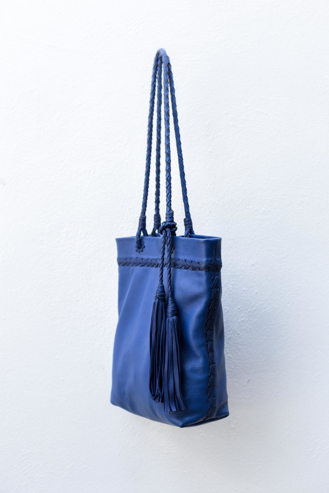 Areias Leather Blue Leather Shoulder-Bag - Side Cropped Image