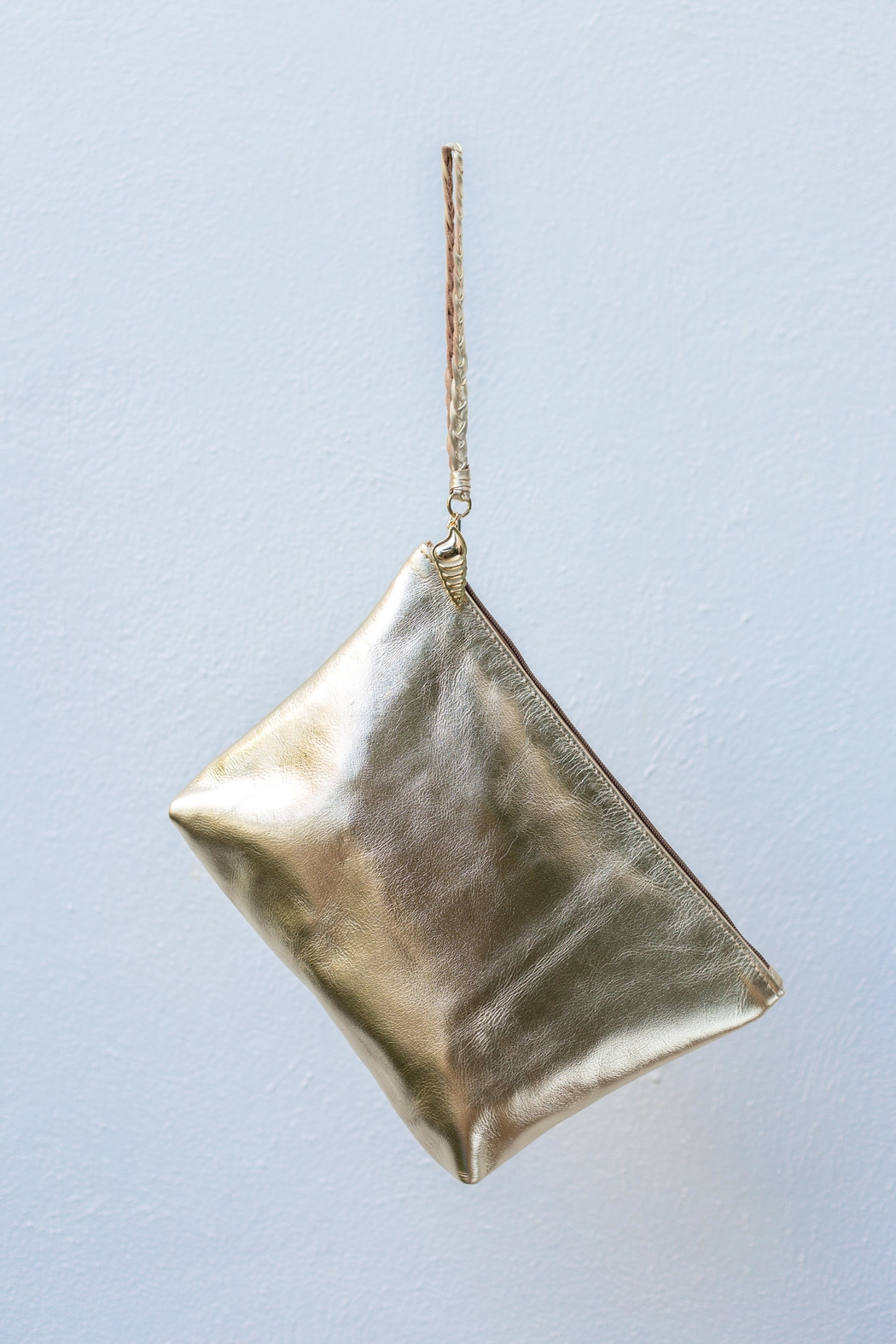 Areias Leather Gold Clutch - Side Cropped Image