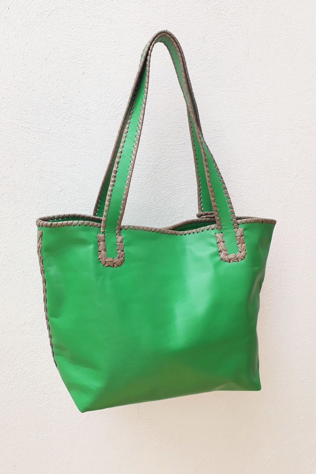 Areias Leather Green Tote Bag - Side Cropped Image