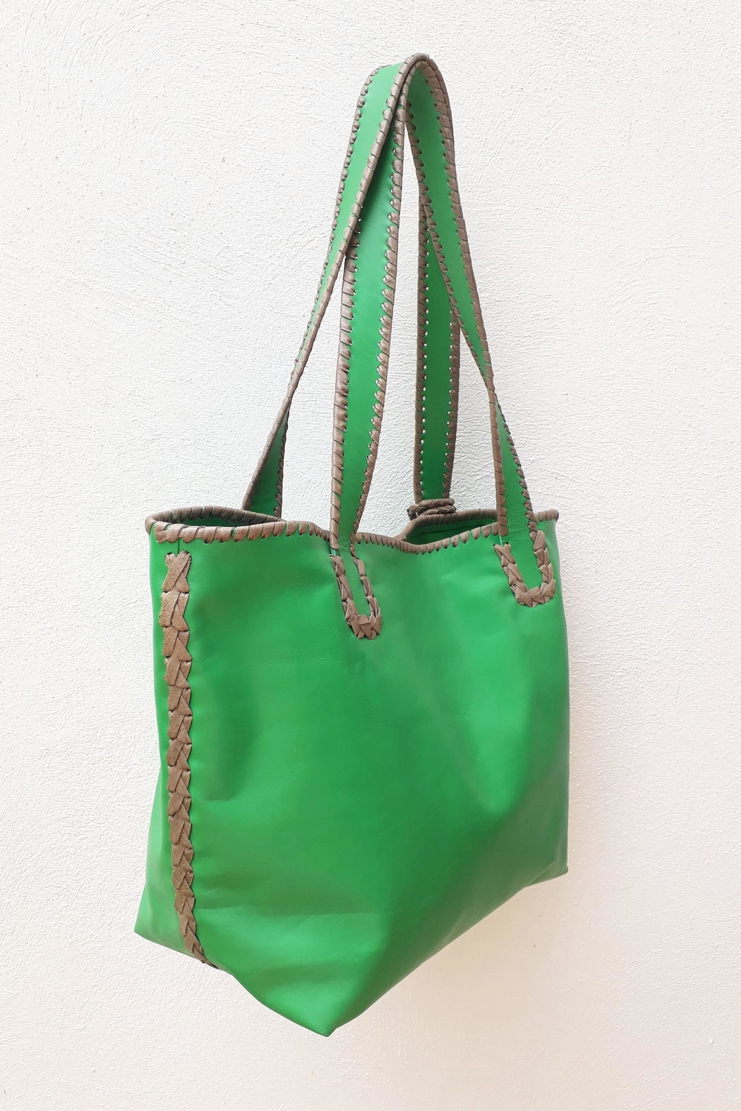 Areias Leather Green Tote Bag - Back Cropped Image
