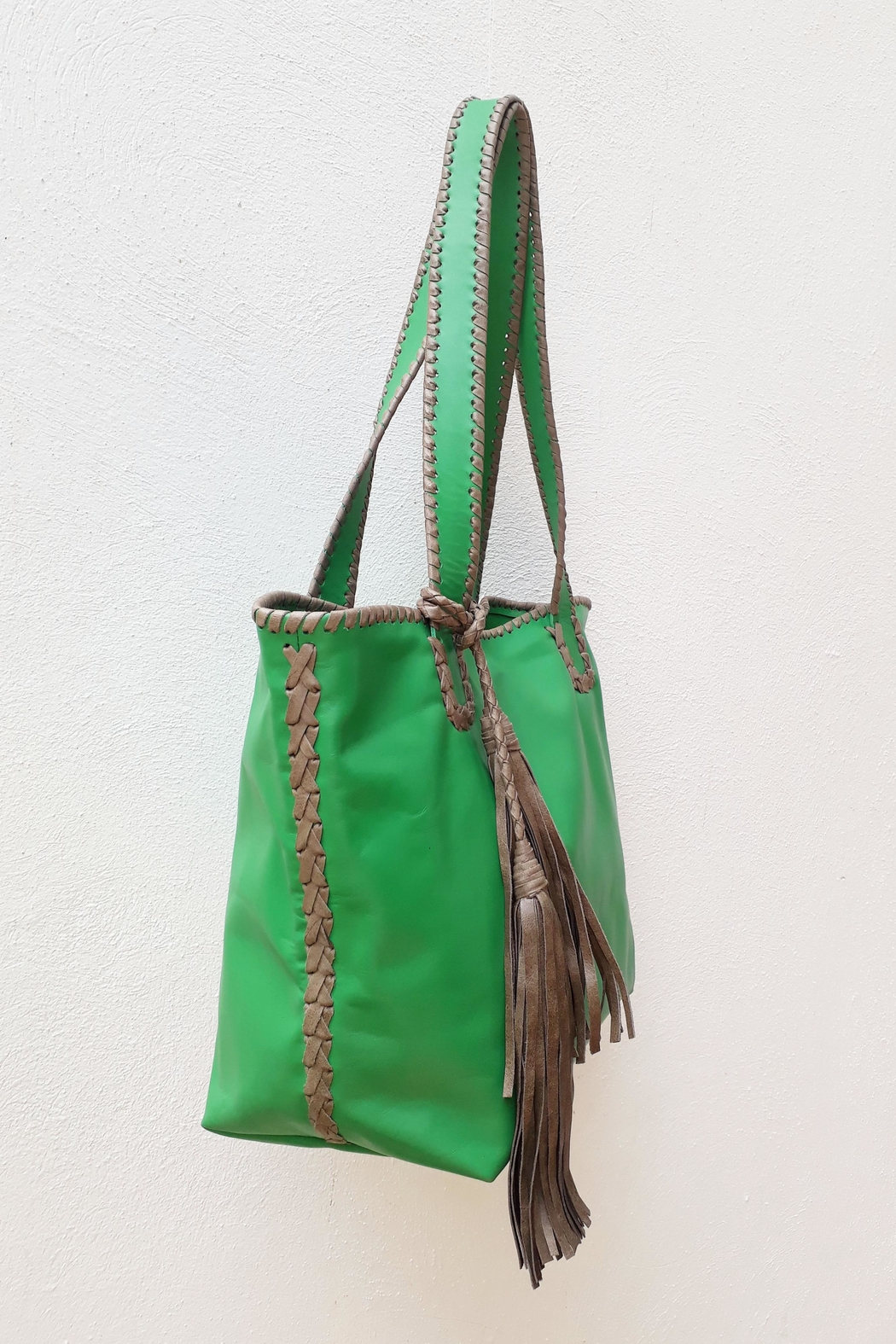 Areias Leather Green Tote Bag - Front Full Image