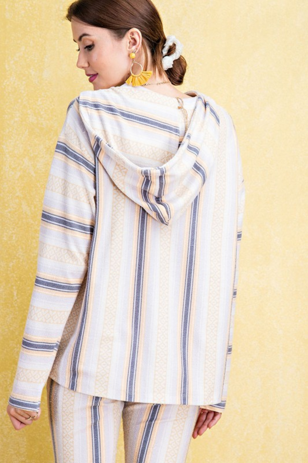 easel  Aria Hooded Pullover - Back Cropped Image