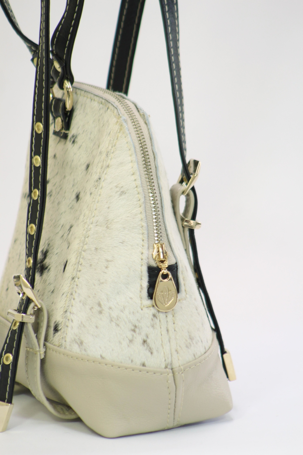 Arisch Cream Leather Backpack - Side Cropped Image