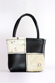 Arisch Patch Leather Bag - Front cropped