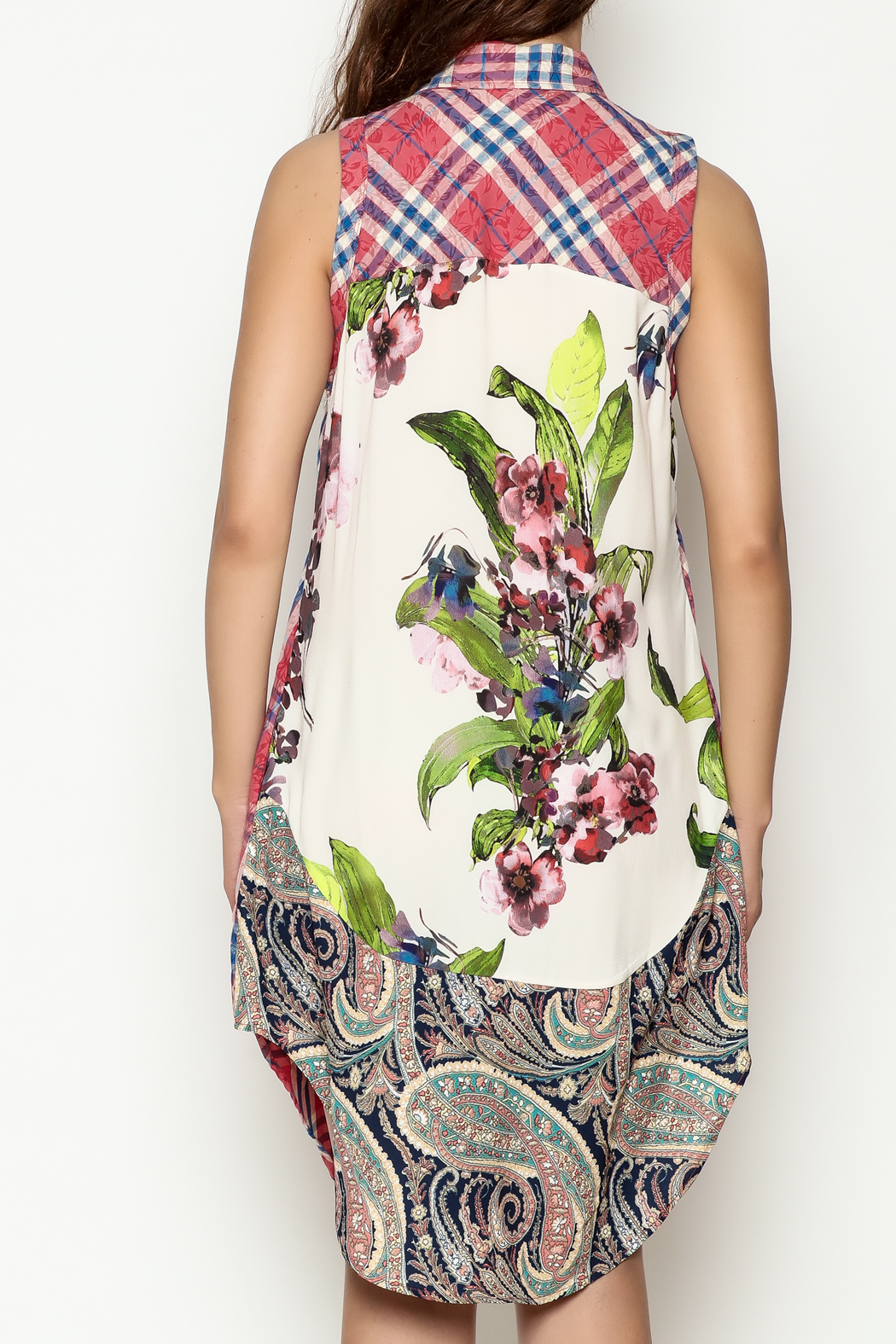 Arratta Floral Cameo Tunic Top - Back Cropped Image