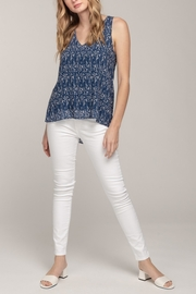 Everly Arrow Tank - Front cropped