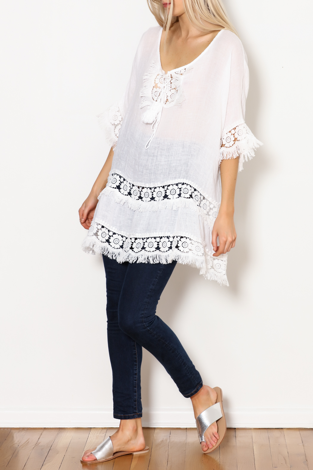 SCANDAL Art White Linen & Lace & Fringe Tunic - Side Cropped Image