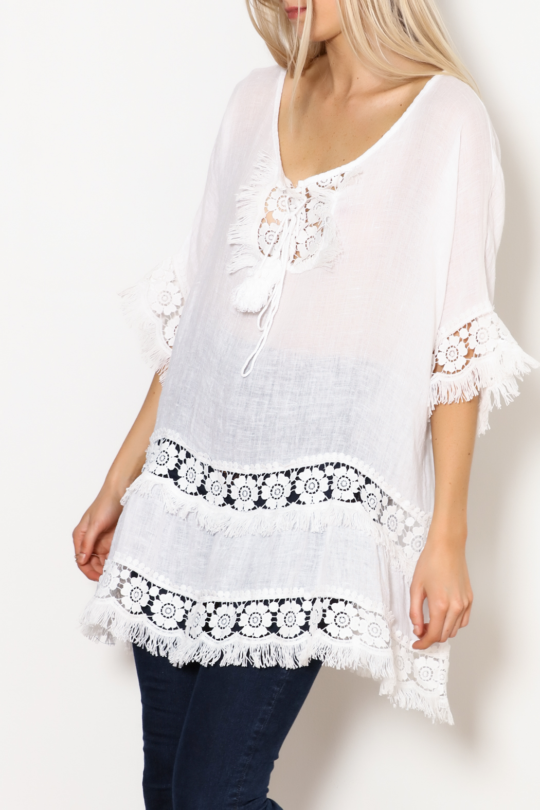SCANDAL Art White Linen & Lace & Fringe Tunic - Front Cropped Image