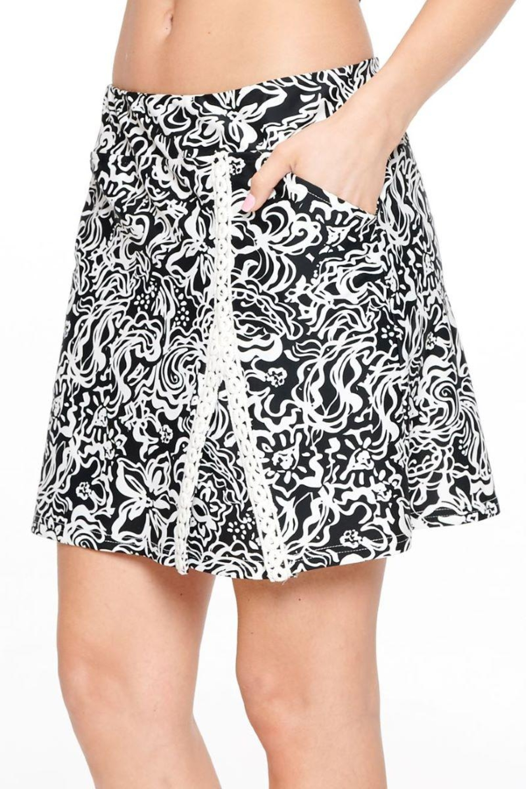 Aryeh Black And White Lace Detail Skort - Side Cropped Image