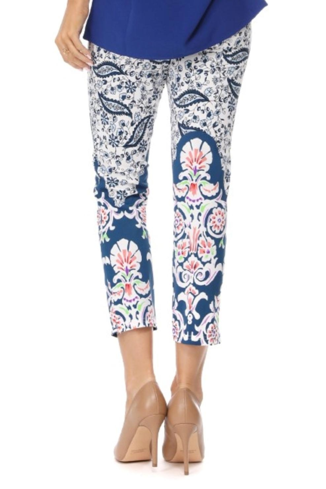Aryeh Blue Paisley Cropped Legging - Side Cropped Image