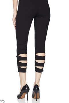 Lyssé Aster Crop Legging - Alternate List Image