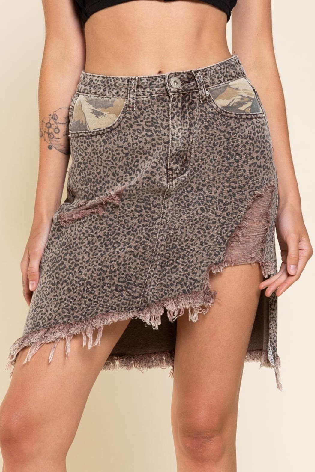 Pol Clothing Asymmetrical Distressed  Animal - Front Full Image