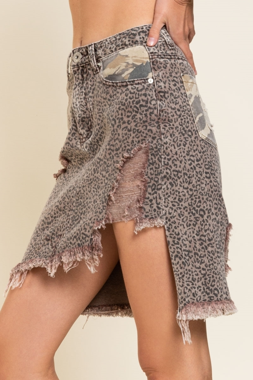 Pol Clothing Asymmetrical Distressed  Animal - Side Cropped Image