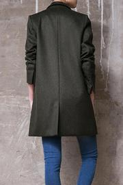 Atelier B.A. Azabache Coat - Side cropped
