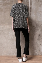 Atelier B.A. Knitted Poncho Granito - Side cropped