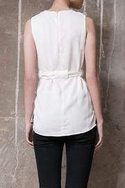 Atelier B.A. Onix Top - Side cropped