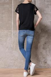 Atelier B.A. Paloma T-Shirt - Side cropped
