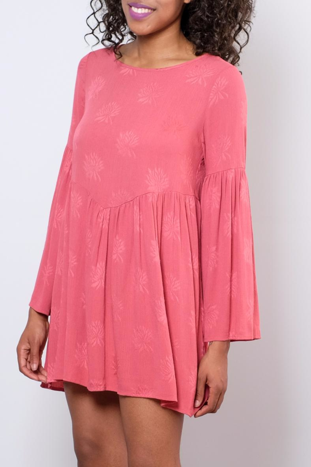 Audrey 3+1 Flare Sleeved Dress - Side Cropped Image
