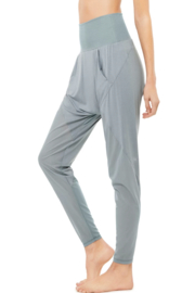 ALO Yoga Axis Pant - Front full body