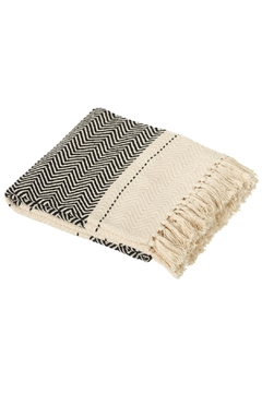 Midwest CBK B&W Chevron Throw - Alternate List Image