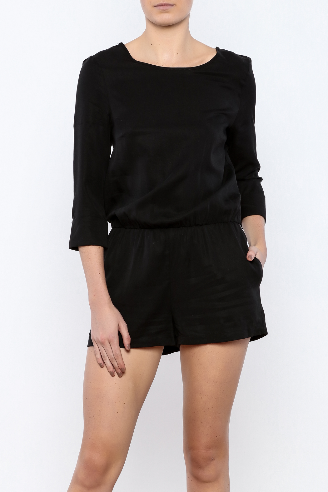Bacio 3/4 Sleeve Romper - Front Cropped Image