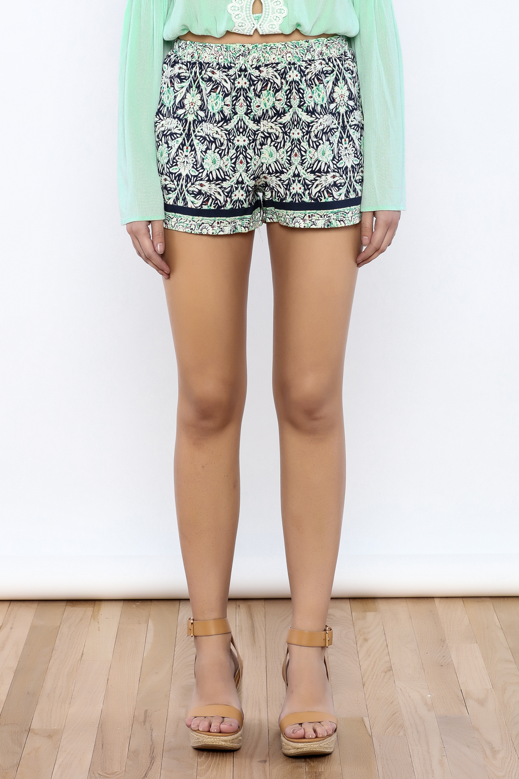 Bacio Printed Shorts - Side Cropped Image