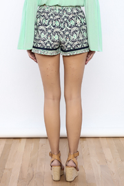 Bacio Printed Shorts - Back cropped