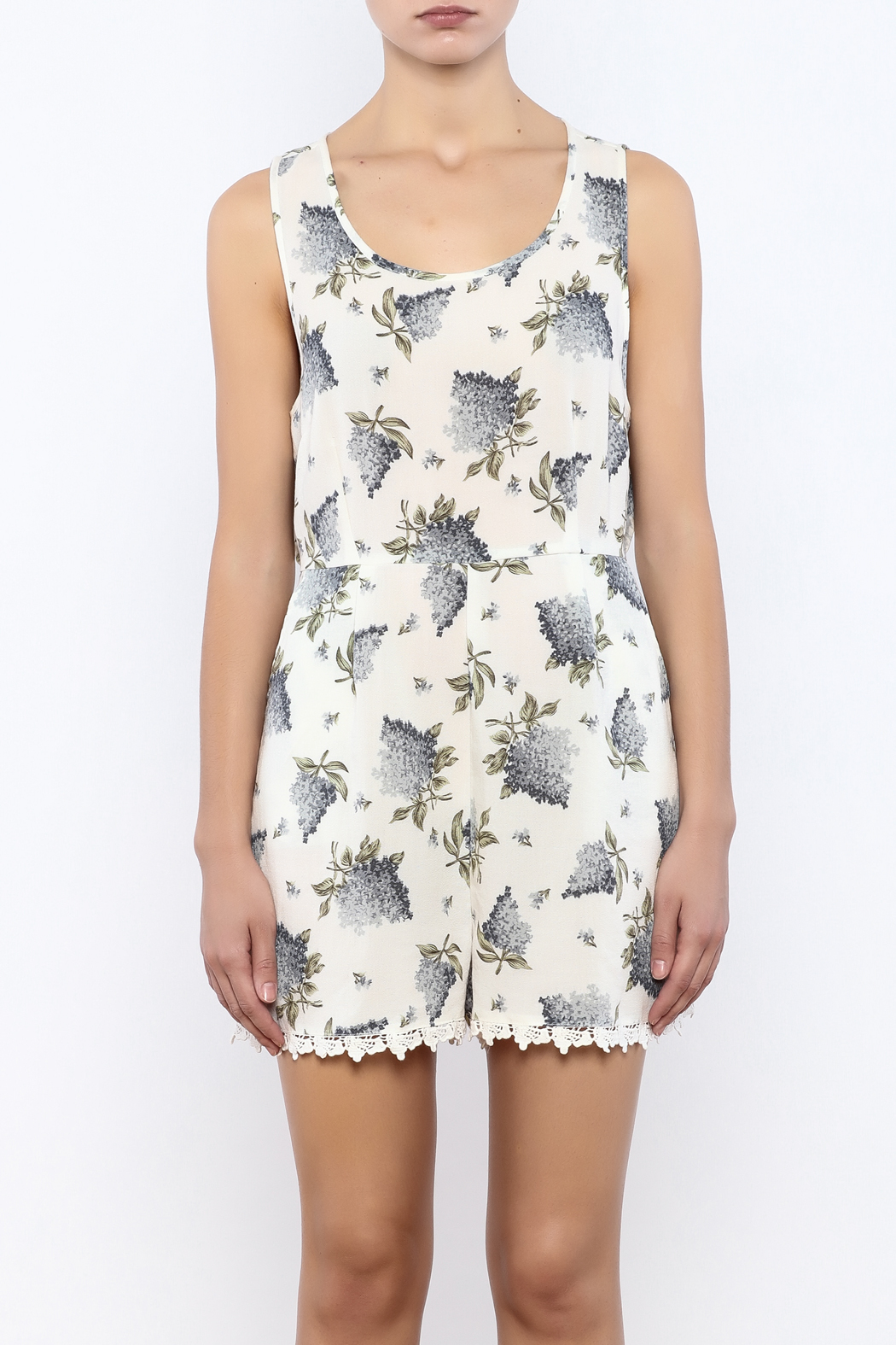 Bacio Floral Printed Romper - Side Cropped Image