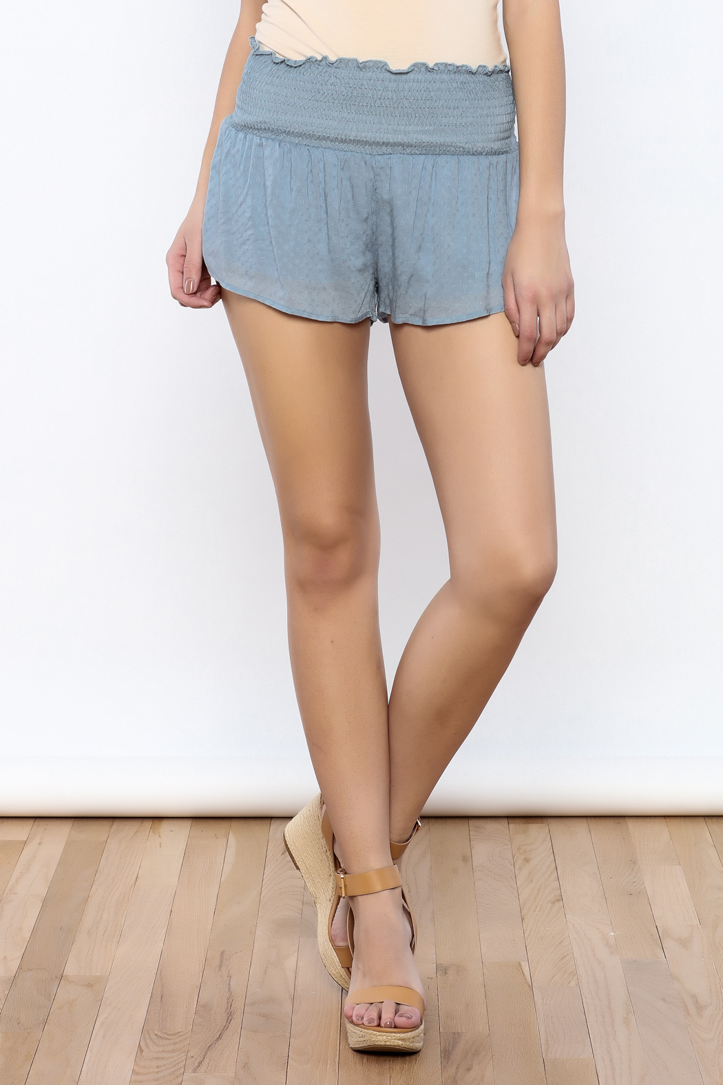 Bacio Woven Shorts - Front Cropped Image