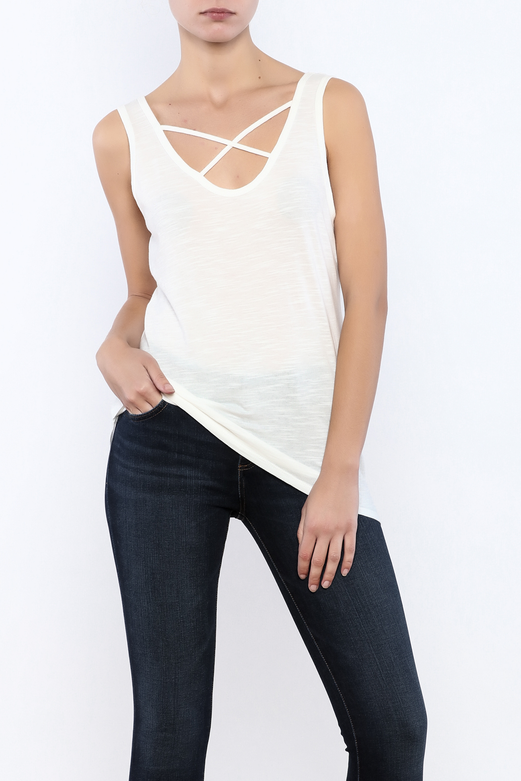Bacio Scoop Neck Tank - Front Cropped Image
