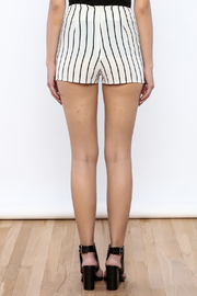 Bacio Stripe Pattern Shorts - Back cropped