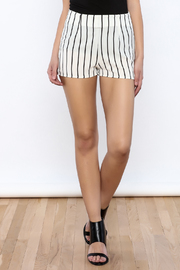Bacio Stripe Pattern Shorts - Front cropped
