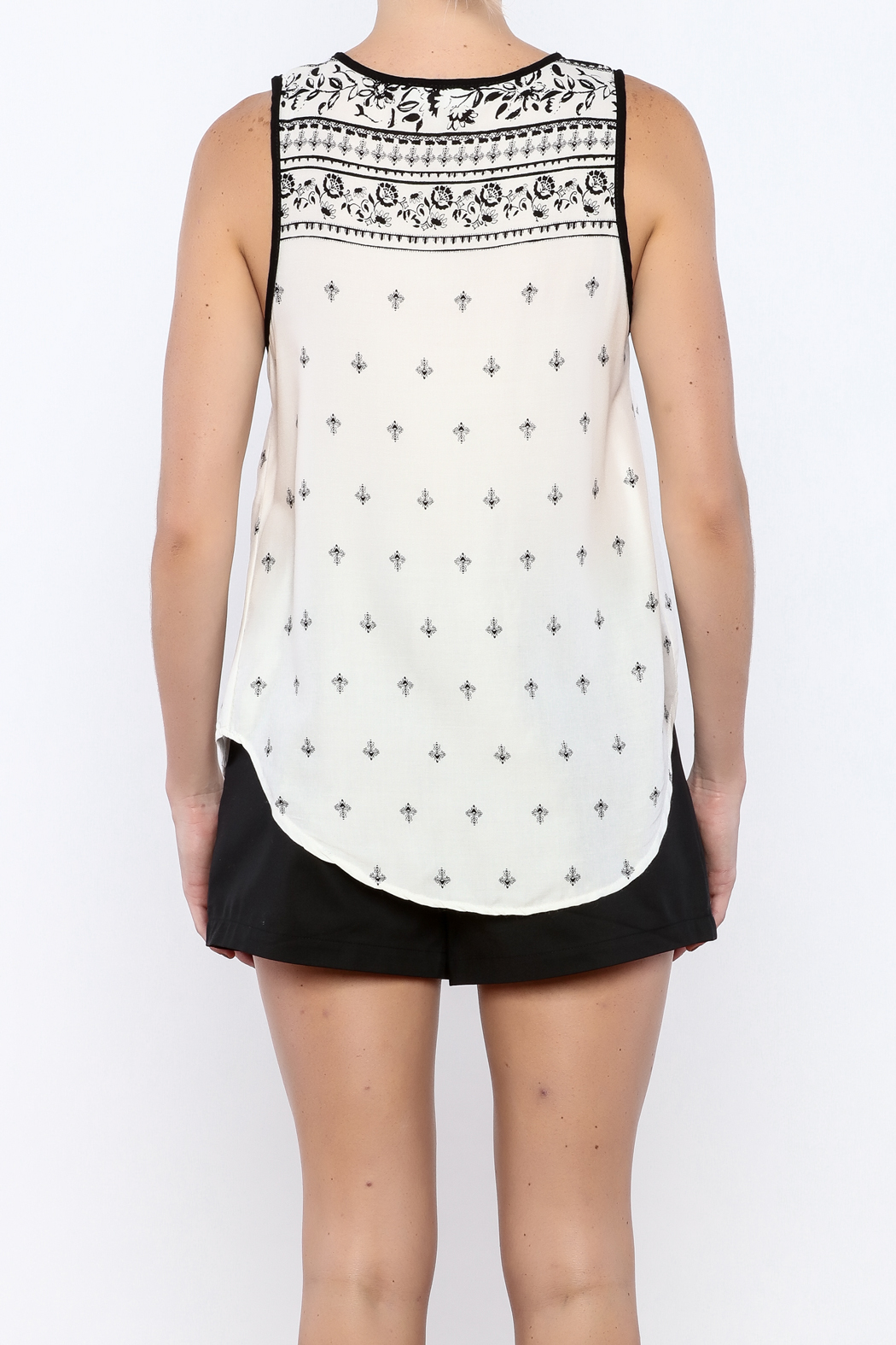 Bacio White Top - Back Cropped Image