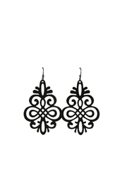 Baggis Accesorios Black Filigree Earring - Front cropped
