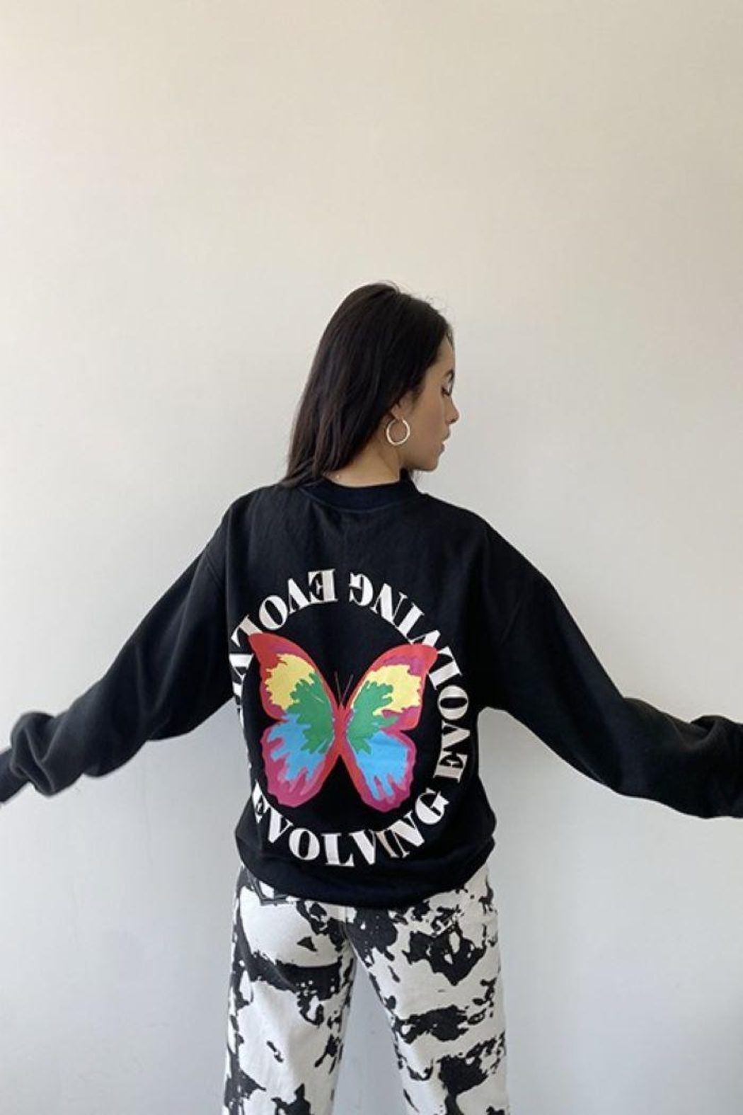 Bailey Rose Butterfly Print Pullover - Side Cropped Image