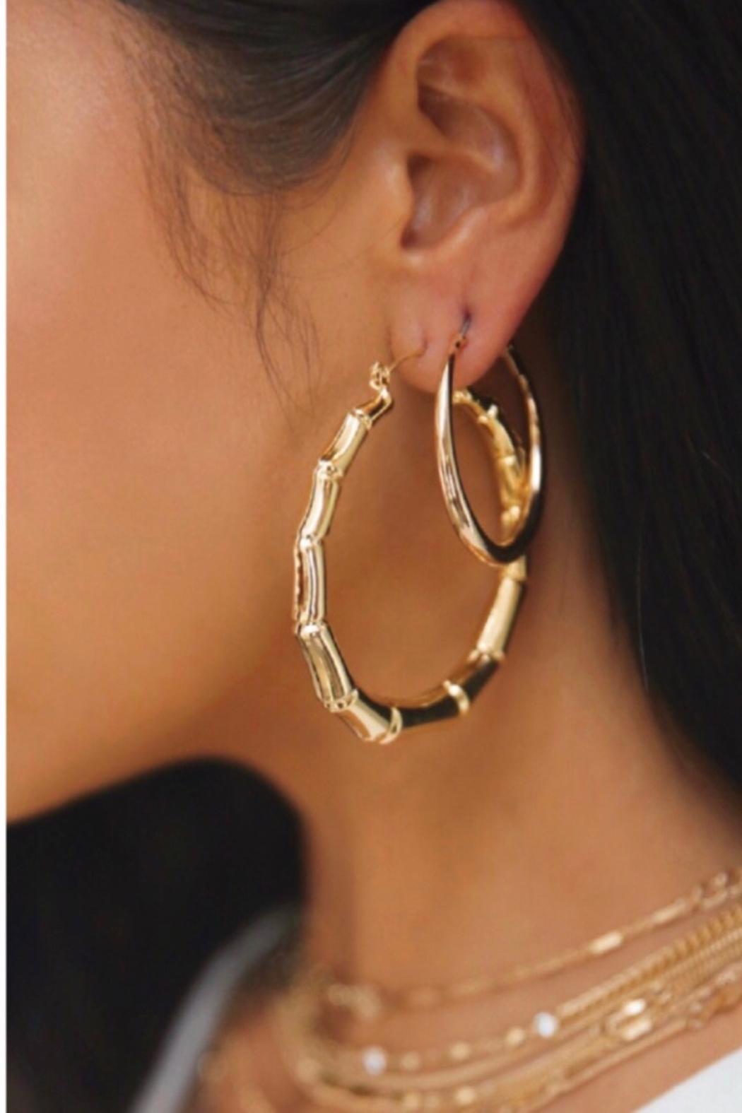 Ettika Bamboo 18kt Gold Plated Hoop Earrings - Side Cropped Image
