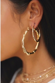 Ettika Bamboo 18kt Gold Plated Hoop Earrings - Side cropped