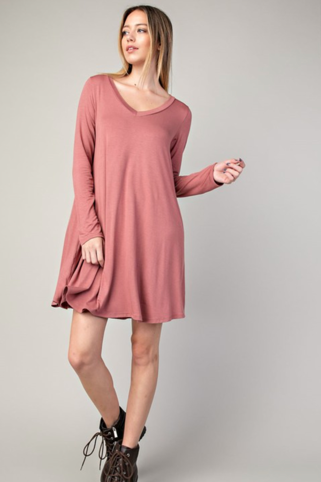 Mittoshop Bamboo V-Neck Dress With Pockets - Front Cropped Image