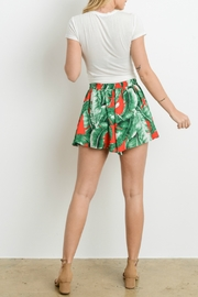 Adrienne Banana Leaf Print Shorts - Back cropped