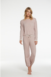 Barefoot Dreams Malibu Collection Crinkle Jersey Lounge Set - Front cropped