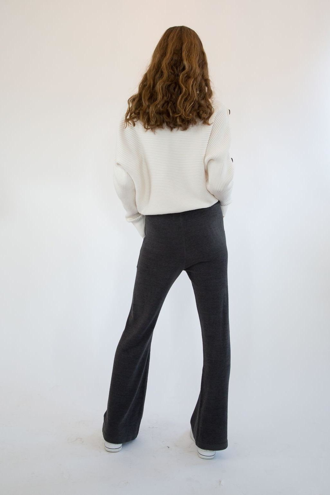 Barefoot Dreams Carbon Sweatpants - Side Cropped Image