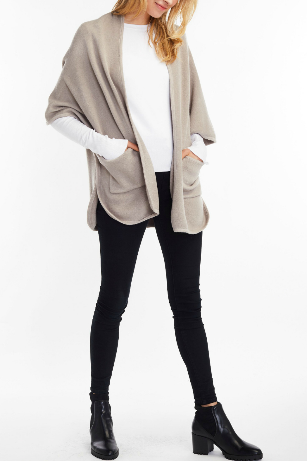 Look by M Basic cape poncho - Front Cropped Image