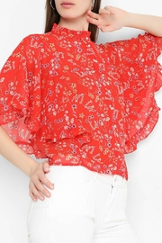 Vero Moda Bat-Wing Floral Top - Front cropped