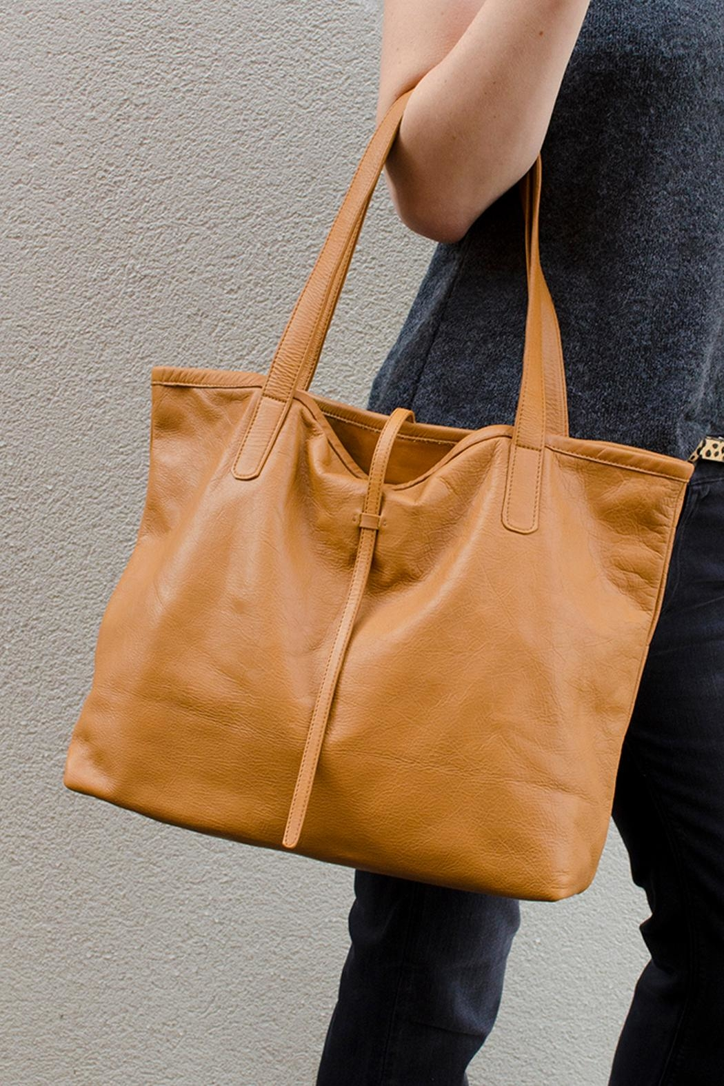 Bauxo Leather Tote - Front Cropped Image