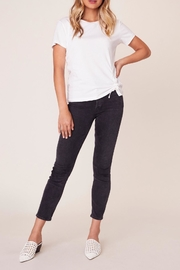 BB Dakota Cinch-Me Ruched-Side T-Shirt - Side cropped